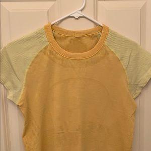 Women's Lululemon Swiftly shirt